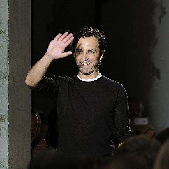 Nicolas Guesqui&egrave;re abandona Balenciaga