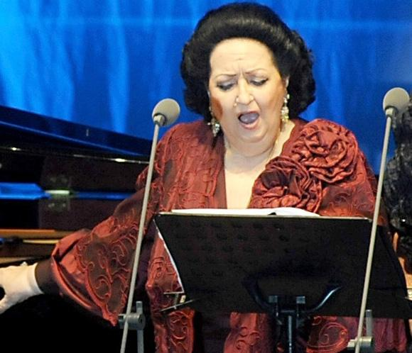 Montserrat Caball&eacute; 'evoluciona favorablemente' tras ser intervenida quir&uacute;rgicamente de su fractura de h&uacute;mero 
