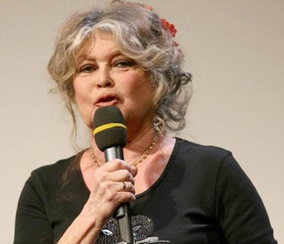 Brigitte Bardot se nacionalizar&aacute; rusa, como Depardieu, si no salvan a dos elefantes
