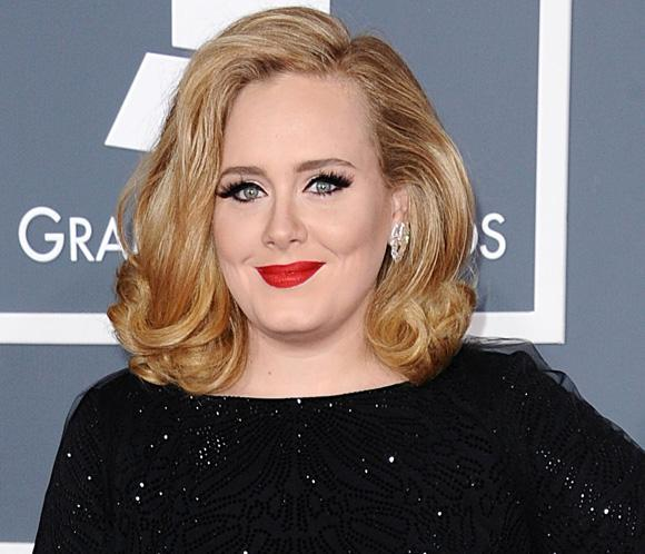 Adele reaparecer&aacute; tras ser mam&aacute; en los Globo de Oro