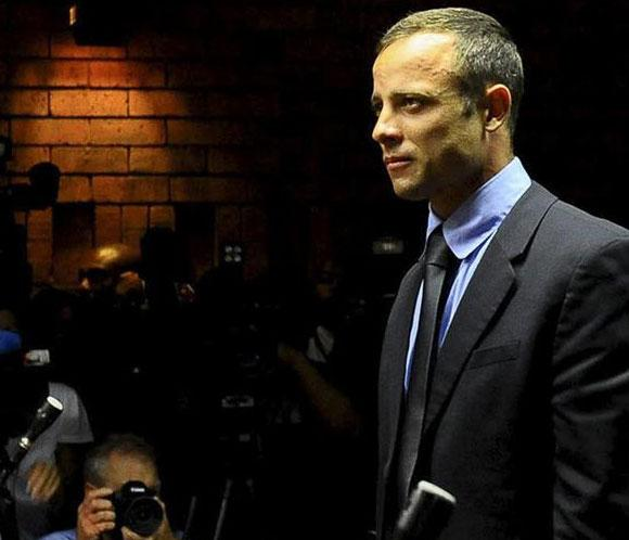 Un testigo escuch&oacute; gritar 'no dispares' en casa de Oscar Pistorius